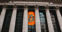 Crypto Flirts With Stock Market: Robinhood Prepares to Go Public, Coinbase CEO Hints Toward Possible IPO