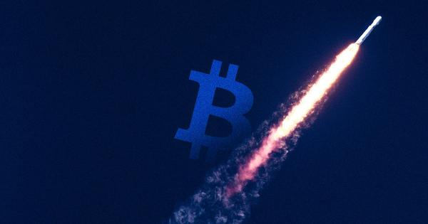 Bitcoin searches on Google are rocketing upward even after the massive drop, here's why