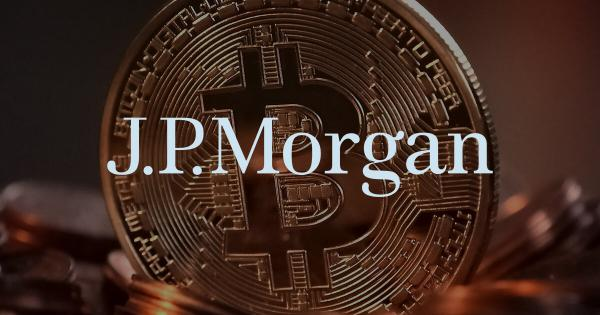 JPMorgan says investors fleeing to gold after Bitcoin dipped to near $30,000