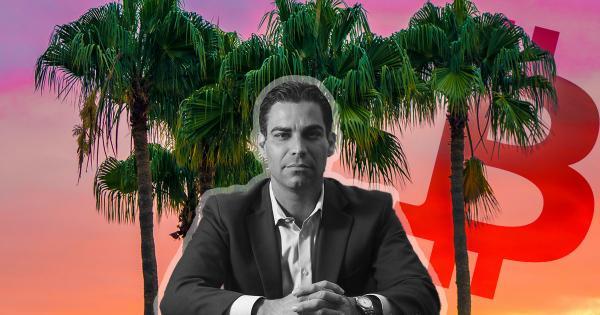Mayor Francis Suarez talks benefits of buying Bitcoin for Miami's city treasury