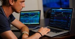Trading crypto? Here's how to decide between CEXs or DEXs