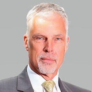 Dr. Hans Koning