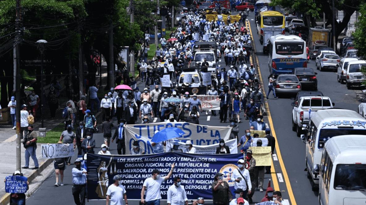 Protestors in El Salvador marching against Bitcoin